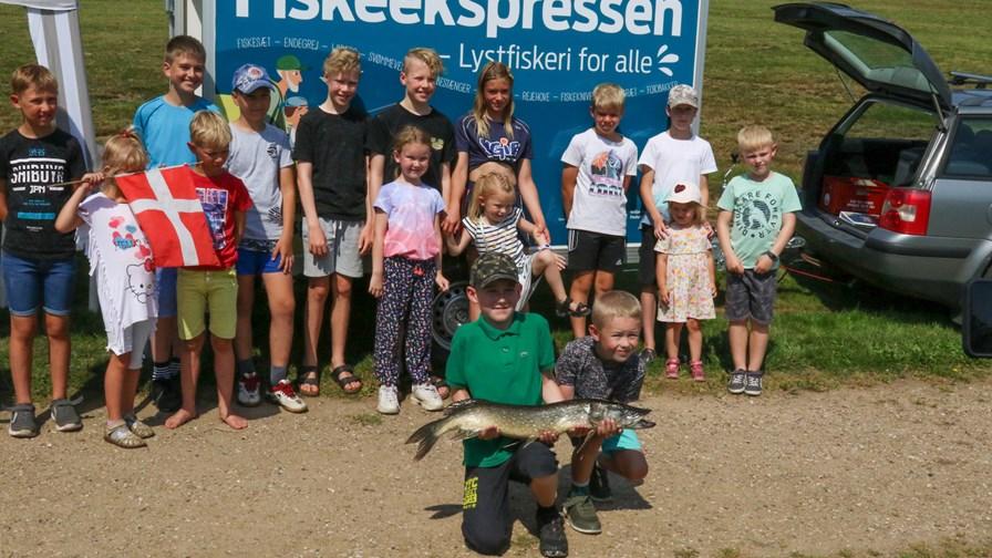 På Tur Med Fiskeekspressen Med Sønderjysk Sportsfiskerforening