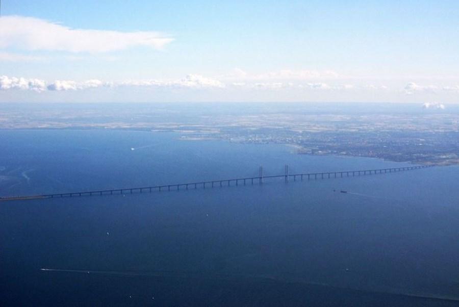 1280px-Øresund_Bridge_web.jpg